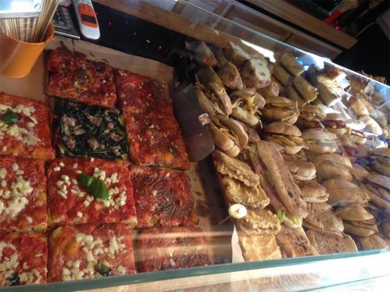 Panini e tranci di pizza